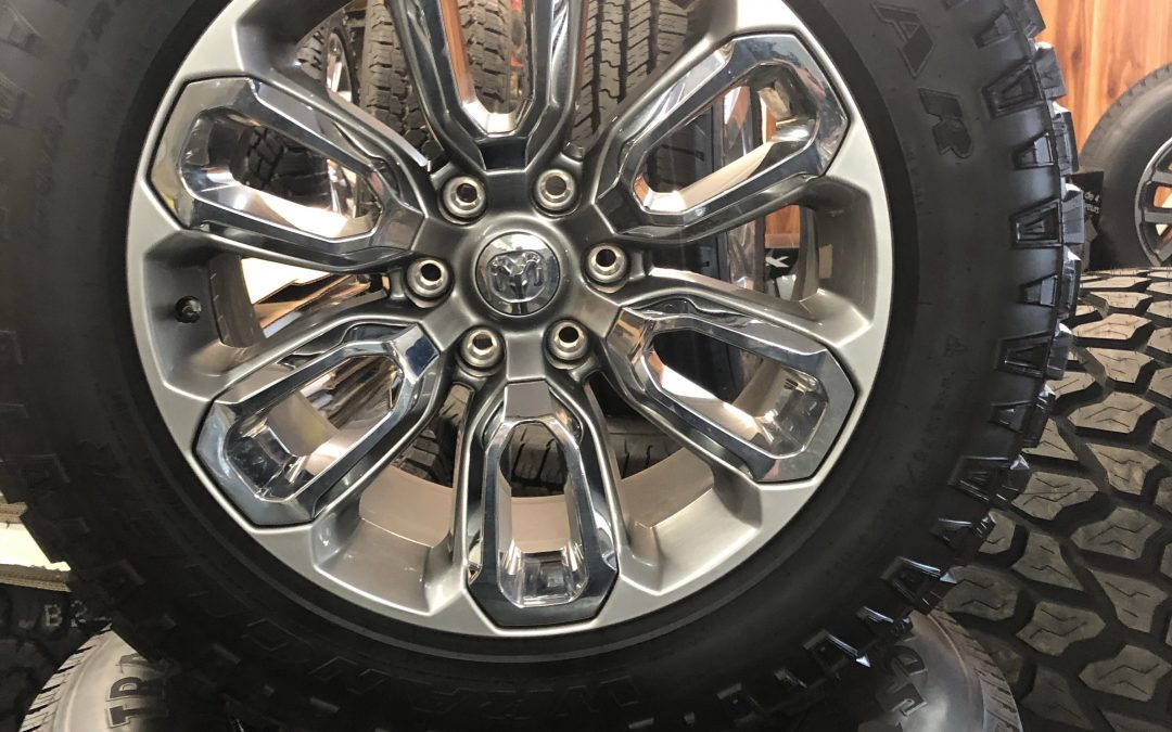 "2020 Laramie 20"" Wheels and Tires koi"